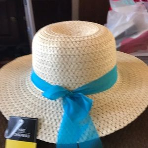 Accessories - New adult straw hat